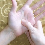 Simple Steps to Self Treatment 'Hand Reflexology':